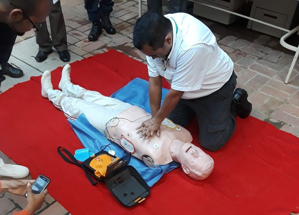 Simulacro de resucitación cardiopulmonar (RCP) - Proyecto Zonas Cardioprotegidas