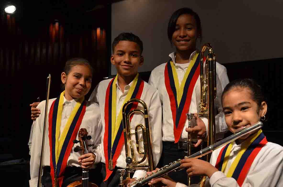 Sistema Nacional de Orquestas Juveniles e Infantiles de Venezuela, núcleo Santa Cruz del Este, en alianza con el CMDLT